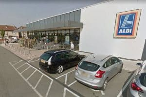 Read more about the article Aldi security guard attacked and racially abused for asking customer to put mask on