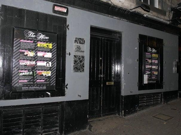 Read more about the article Thug pulled spiked Russian police baton on doorman during Edinburgh nightclub rammy