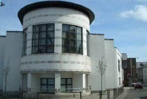Read more about the article Isle of Man woman fined for throwing plastic cup at Doorman