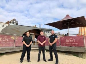 Read more about the article Weymouth seafront businesses hire security firm to deal with visitor increase